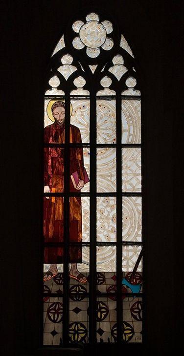 8. Witraże (10 okien) w Kościele Rektoralnym pw. Św. Macieja Apostoła - proj. Beata Stankiewicz-Szczerbik, 2006-2010, Plac Biskupa Nankiera 17, fot. Mirosław Koch